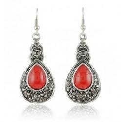 boucles d'oreilles pendantes noires et rouges