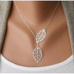 "Collier fin ""Feuilles coulissantes"""
