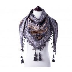 Foulard gris à motifs